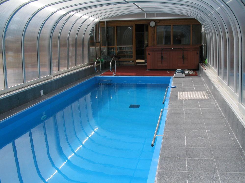 Камера в душе бассейна, эро фильмы просмотр онлайн